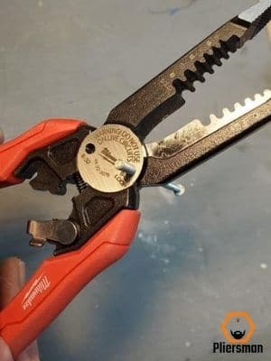 bolt cutter on milwaukee 7 in 1 pliers